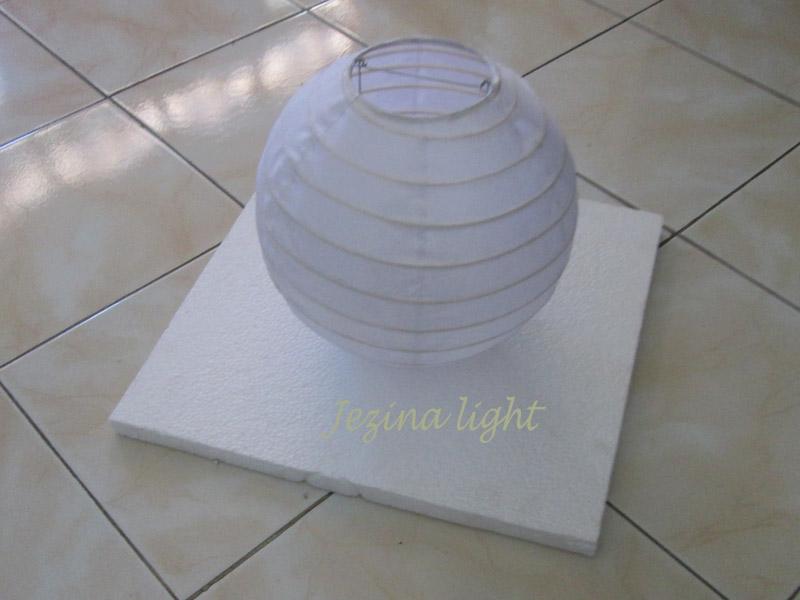 Lampion Apung Putih
