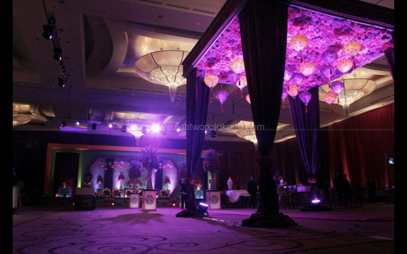 Contoh Dekorasi Wedding Menggunakan Lampion 2