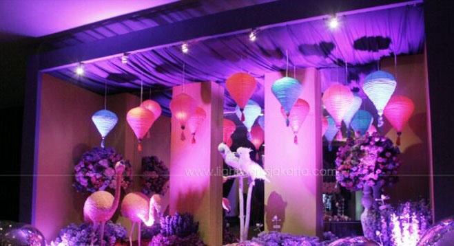 Contoh Dekorasi Wedding Menggunakan Lampion 3